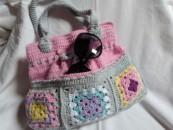 gehäkelte Tasche im Granny square Stil