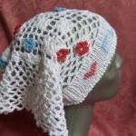 gehäkeltes Kopftuch weiß mit Blüten