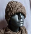 Strickset aus Schal und Beanie
